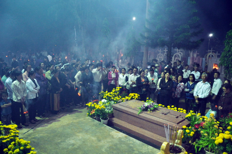 Nghĩa trang chiều tưởng nhớ - Thơ