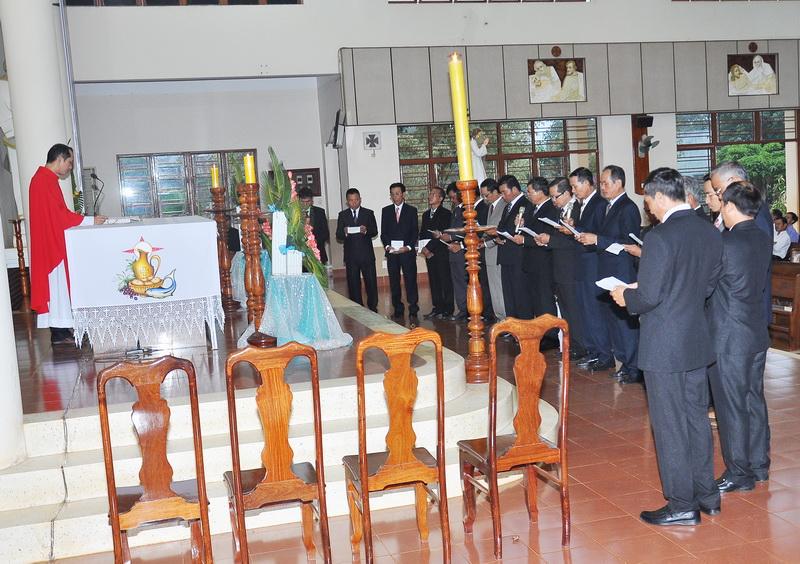 Vinh Hương - Các chương trình trong ngày lễ Chúa Thánh Thần Hiện Xuống