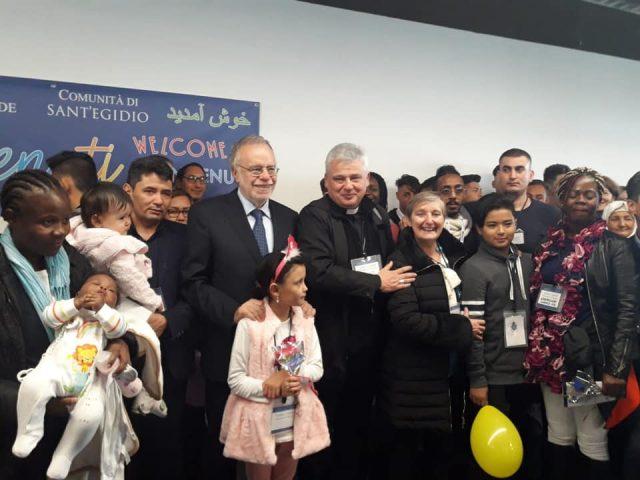 33 người tị nạn từ đảo Lesbos Hy lạp được Vatican bảo trợ